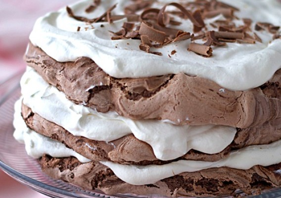 Chocolate Meringue Cake Chocolate meringue cake