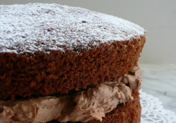 Cake Recipe Light And Fluffy: Chocolate Victoria Sponge Cake With Chocolate Buttercream