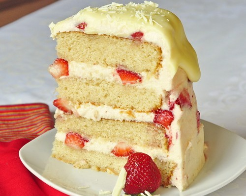 Strawberry White Chocolate Buttercream cake