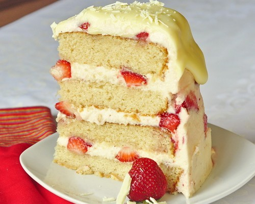 Macadamia Cake With Raspberries And White Chocolate Buttercream ...