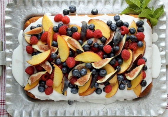 Easy Vanilla Cake with Summer Fruit