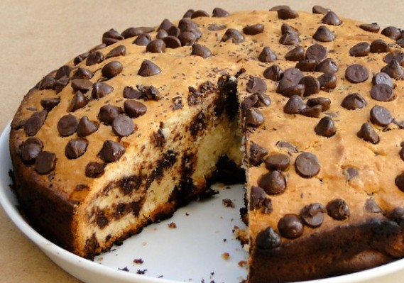 Chocolate Chip Vanilla Sponge Cake