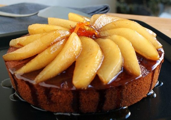 Fresh Ginger Cake with pears