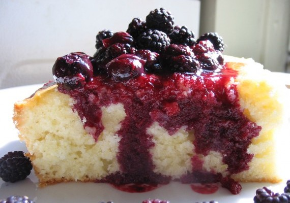Lemon Cake with Berry Sauce