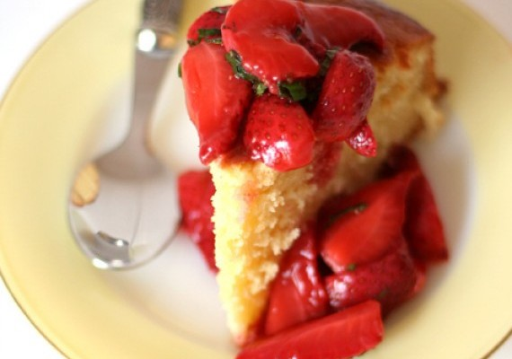 Lemon and Buttermilk Cake with Strawberry and Pimms compote