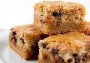 Pecan Chocolate Chip Gooey Butter Cake Recipe - yes please