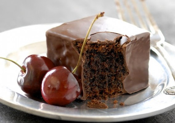 Small Chocolate Cake Delights - Chocolate Mochi Cake - Recipe