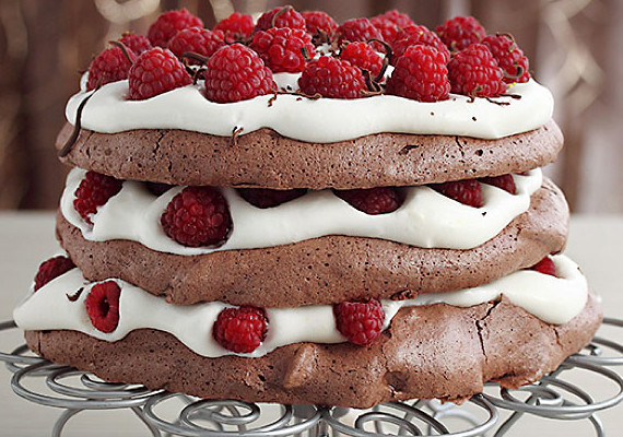 Chocolate Pavlova Recipe – Chocolate Raspberry Pavlova