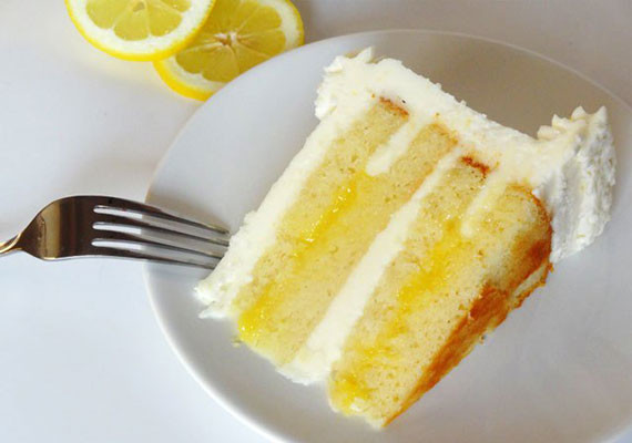 Lemon Cake with Lemon Curd Filling..