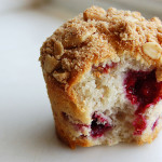 Easy (Frozen) Raspberry Muffins and the Difference between Cake and Muffins