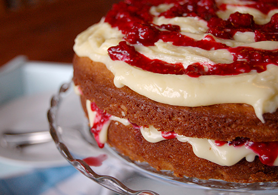 White-Chocolate-Raspberry-Cake-Side