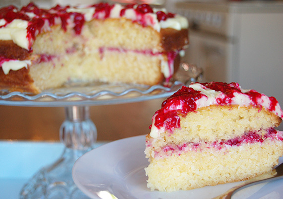 White-Chocolate-Raspberry-Cake