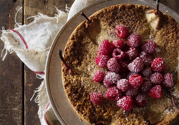 Fresh-Pear-Walnut-Cake