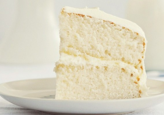 Fluffy Vanilla Cake With Whipped Bean Frosting